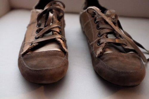 BAŤA topánky na šnurovanie z pravého semišu