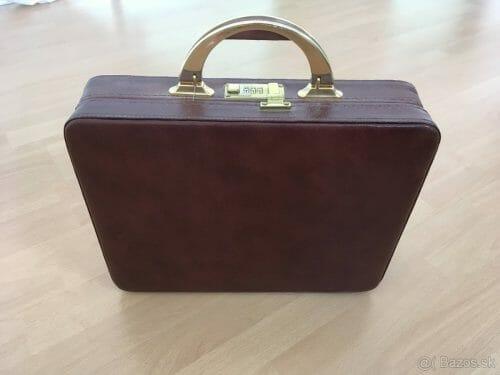 Predám krásny kožený kufrík