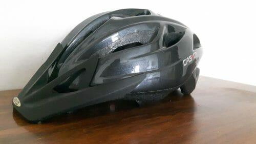 Čierna unisex cyklistická helma