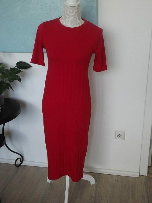 Červené tričkové šaty