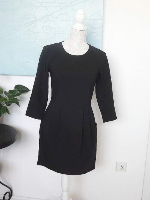 Krátke čierna šaty