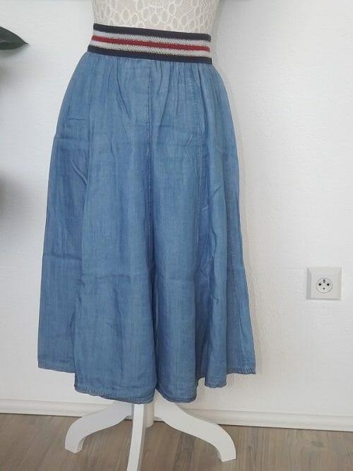 Áčková sukňa s pružným pásom