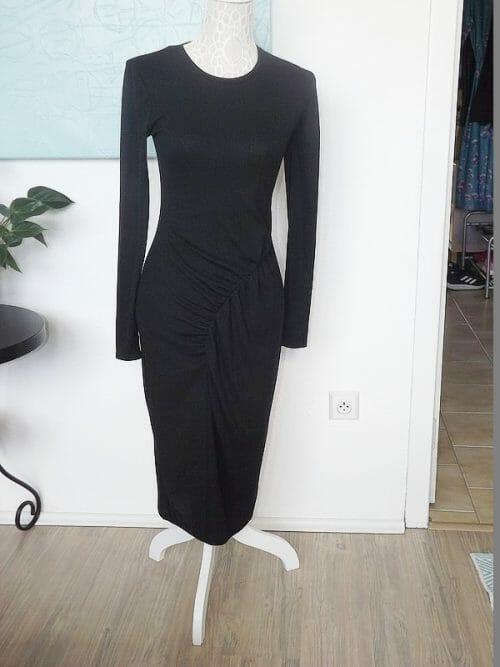 Čierne tričkové šaty