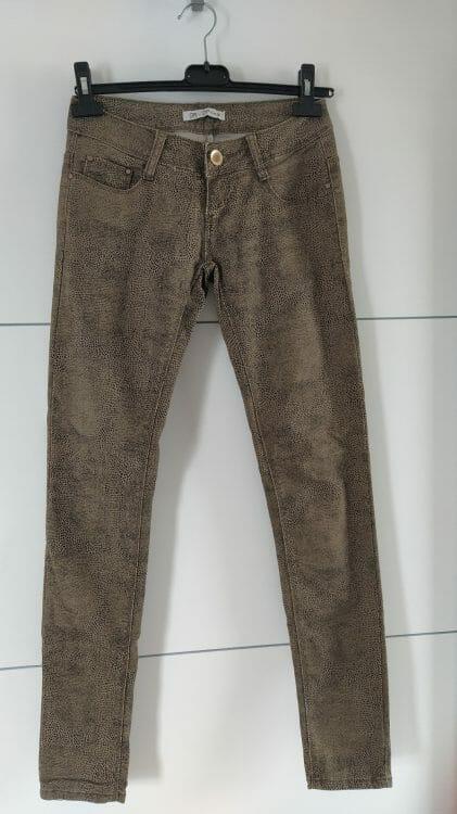 Hnedé vzorované nohavice