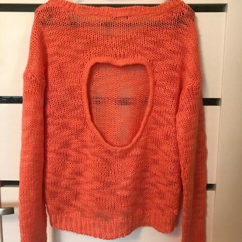 Lososový sveter
